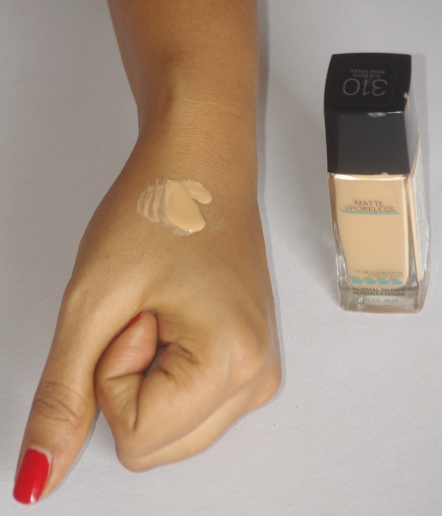 Maybelline Fit Me Matte Poreless Foundation  product texture