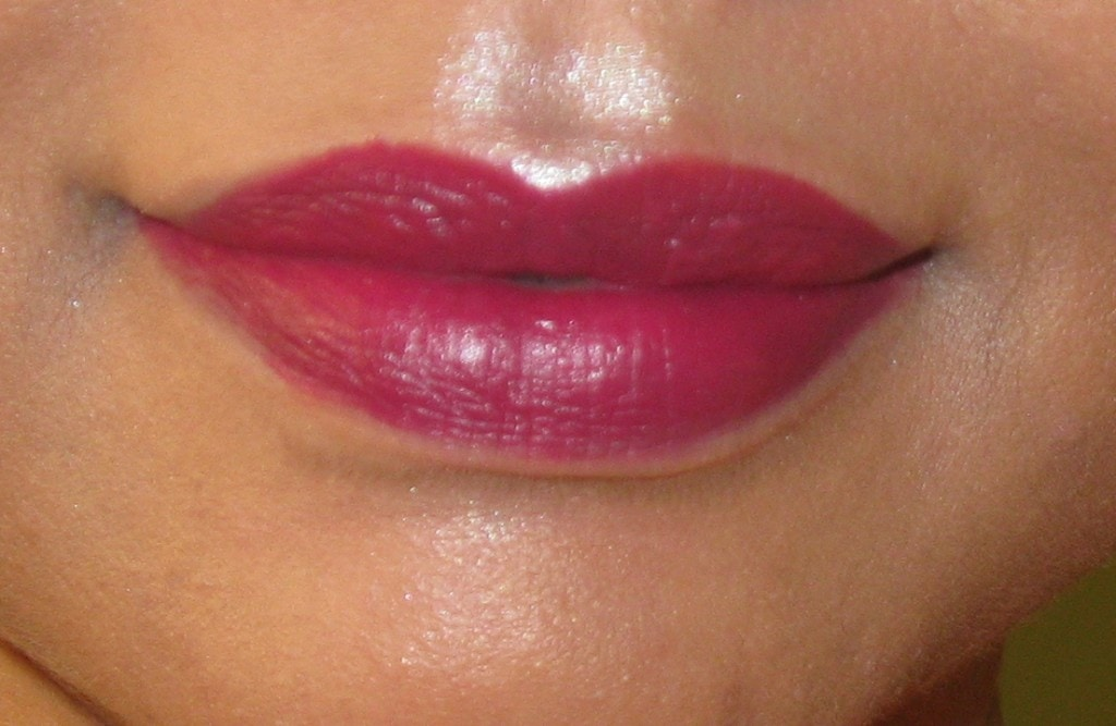 Sugar-Cosmetics-It's-A-Pout-Time-Vivid-Lipstick!-01-The-Big-Bang-Berry-and-02-Breaking-Bare-Review-and-Swatch
