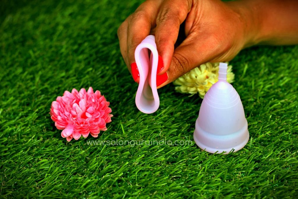 how to wear menstrual cup correctly