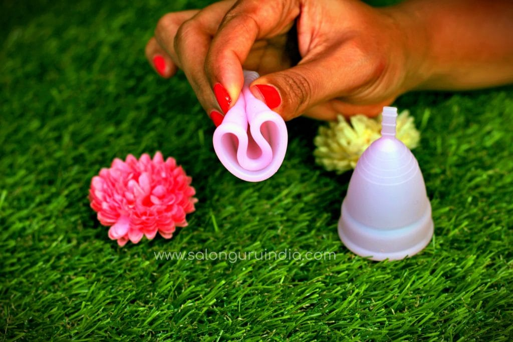 how to wear menstrual cup C fold